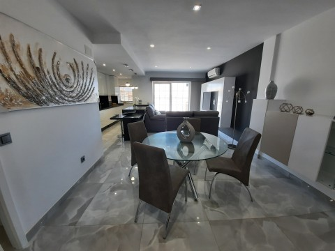 Renovated 2 bedroom apartment in Immo Pórtico Mar